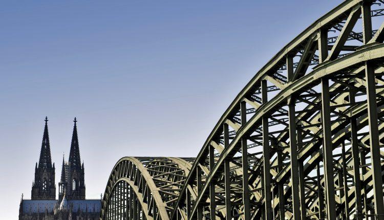 Pfingsten in Köln: 3 Tage inklusive 4* Hotel und Bahnticket ab 161€