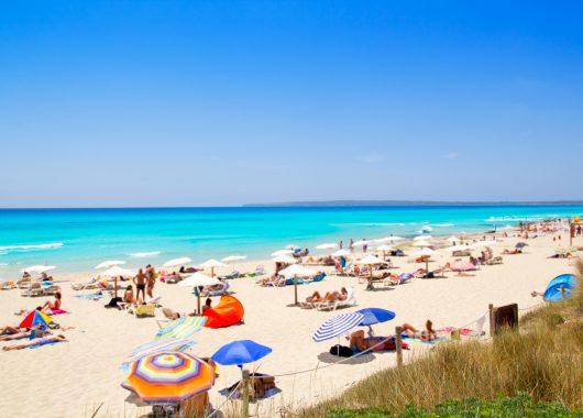 Eine Woche Formentera im 3* Apartment inkl. Flug, Rail&Fly und Transfer ab 336€