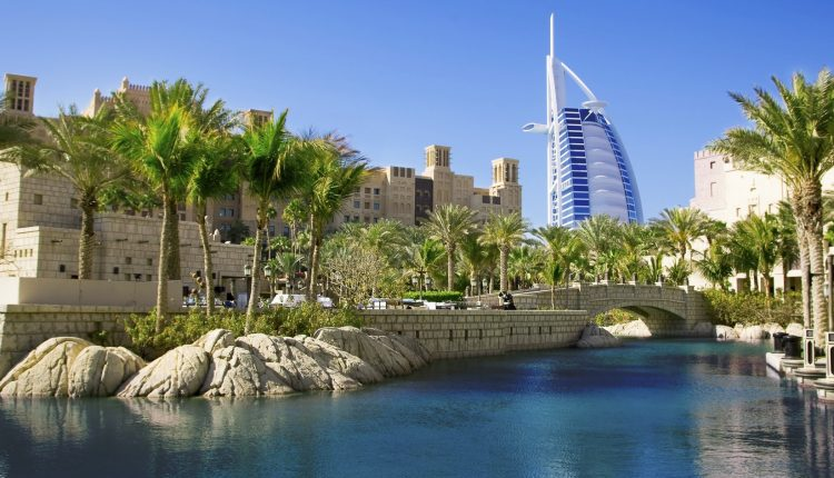 Eine Woche Luxus im November: 5* Resort in Dubai inkl. Flug u. Rail&Fly ab 408€