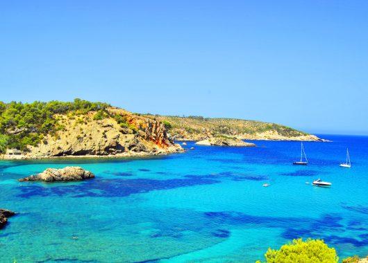 9 Tage All Inclusive auf Ibiza im 4* Hotel inkl. Flug, Transfer und Rail&Fly ab 522€