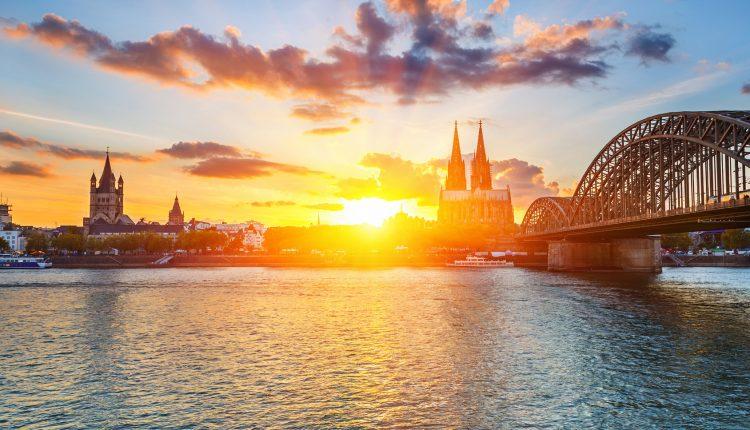 Köln: 2 Tickets für die Panorama-Rundfahrt auf dem Rhein für 9,50€ statt 19€