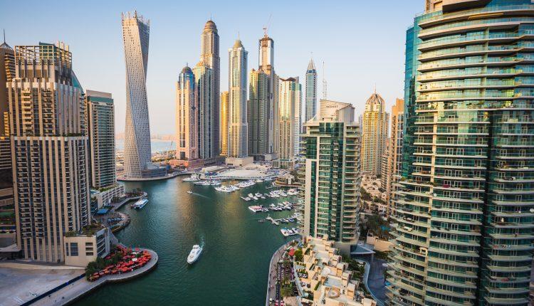 Preissturz: 1 Woche Dubai im 3* Hotel inkl. Frühstück, Flug, Transfer und Rail&Fly ab 290€