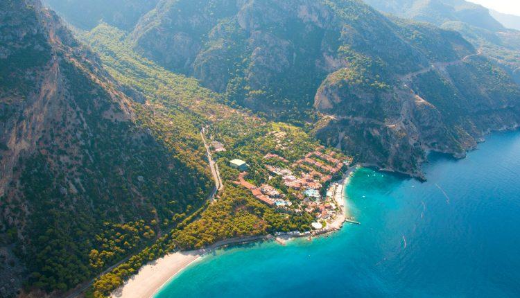 Türkei im Oktober: 1 Woche im guten 4* Hotel inkl. Flügen, Transfers und Halbpension ab 199€