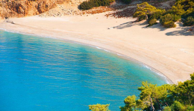 Türkei im Januar: 1 Woche im 4* Hotel inkl. Flügen, Transfers, Rail & Fly und All-Inclusive-Verpflegung ab 262€