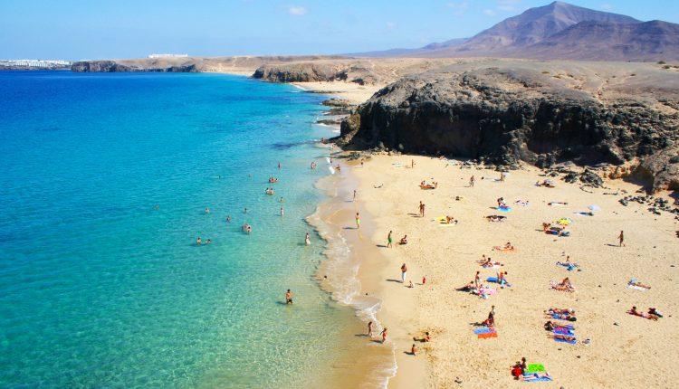 Reisedeal für Anfang Februar: 7 Tage Lanzarote im 3* Hotel inkl. Flügen und Transfers ab 294€ ab Frankfurt-Hahn, Weeze…