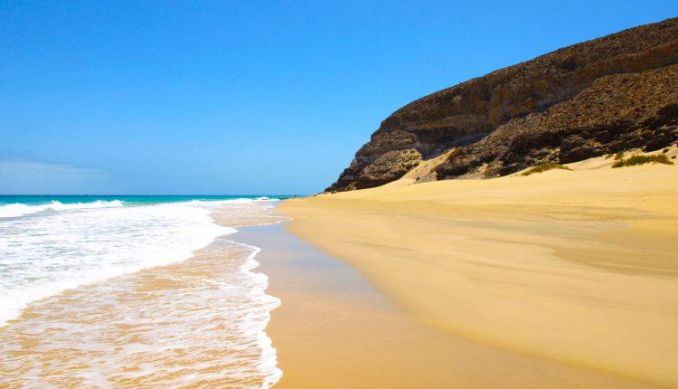 Last-Minute: 1 Woche Fuerteventura im guten 4* Hotel mit All In, Flug und Transfer ab 357€