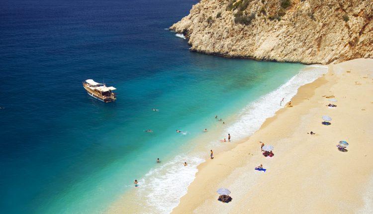 1 Woche Türkei im Dezember: 4,5* Hotel All Inclusive, Flug, Transfer und Rail&Fly ab 324€