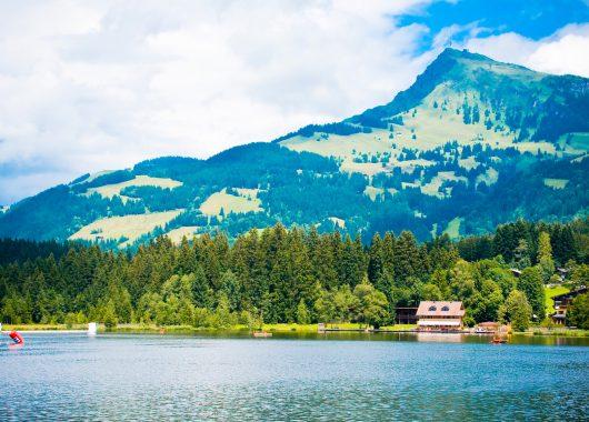 Kitzbühel: 3 Tage im Berggasthof mit Frühstück, Welcome Drink und Sauna für 149€