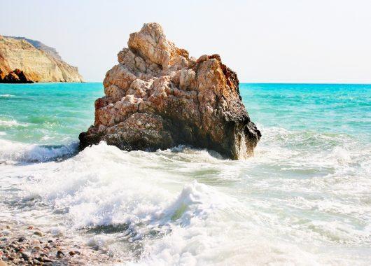 7 Tage Zypern im 3*Hotel inklusive Flügen und Zug zum Flug ab 326€