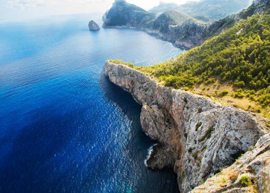 Mallorca im Oktober: 1 Woche im sehr guten 4* Hotel inkl. Flug, Transfer und Rail & Fly ab 290€
