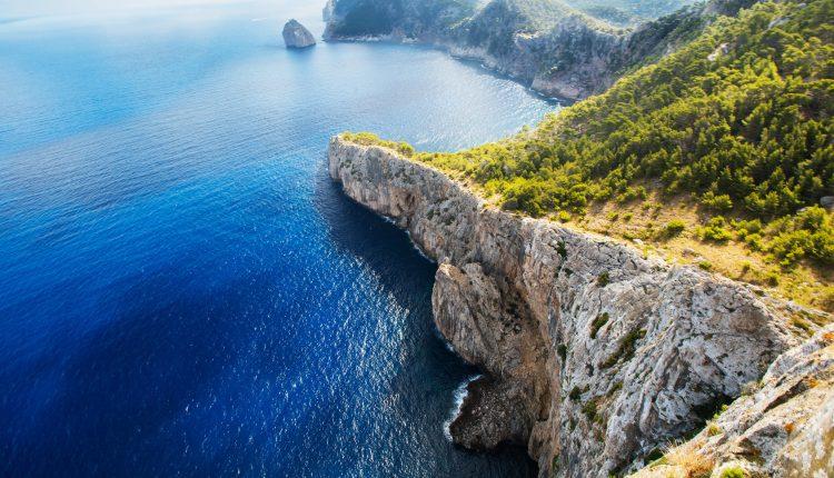 Eine Woche Mallorca im 4* Apartment mit Flug und Rail&Fly ab 279€