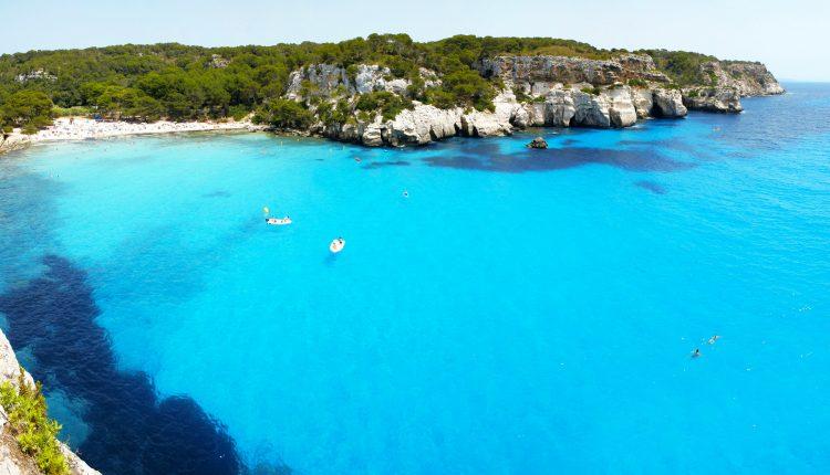 Early Bird: Eine Woche Menorca im 4* Hotel inkl. HP, Flug und Transfer ab 342€
