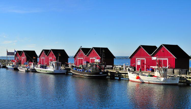 Im Sep./Okt.: Familienurlaub an der Ostseeküste: 1 Woche im 4* Apartment mit Küche, Kamin und Wellness für 379€ zu viert