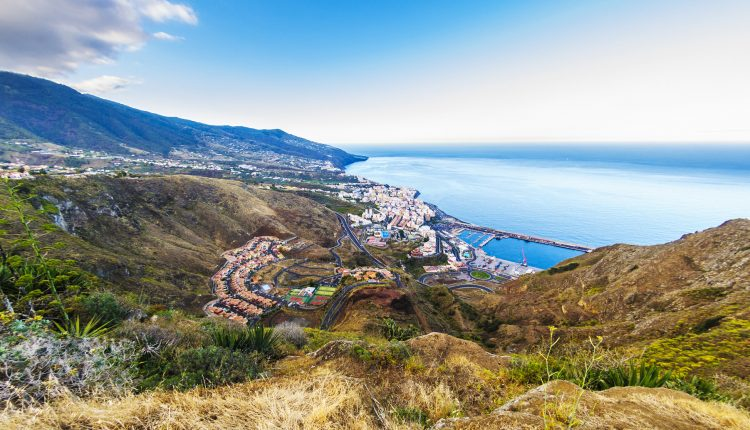 1 Woche Gran Canaria im Dezember: 4* Hotel inkl. Frühstück, Flug, Rail&Fly und Transfer ab 475€