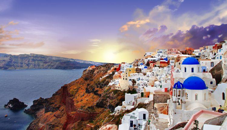 Inselhopping Athen, Santorini & Mykonos mit Flug, Fähren, Transfers, 3*Hotels und Frühstück ab 689€