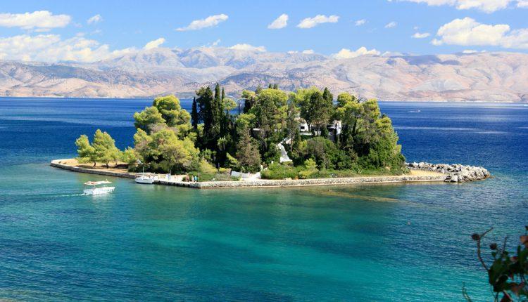 Korfu: 1 Woche im 3* Hotel inkl. Flug, Transfer und Halbpension ab 289€