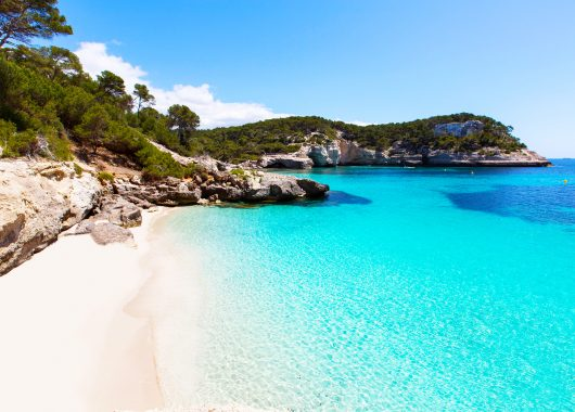 Menorca im Mai: 14 Tage inkl. Flügen, Hotel und Transfers ab 338€ pro Person