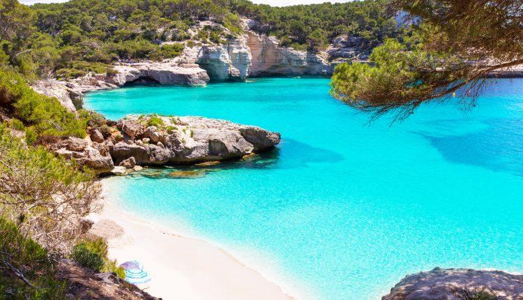 Menorca: 1 Woche im guten 4* Hotel inkl. Flug, Transfer, Rail & Fly und Frühstück ab 314€