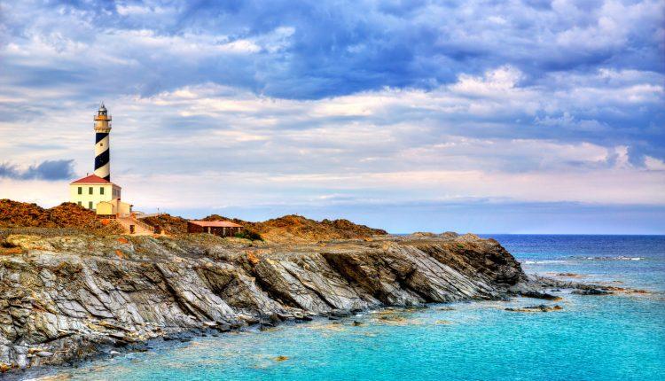 [Frühbucher] Menorca im Juni: 1 Woche im einfachen Hotel inkl. Flügen und Transfers ab 326€ pro Person