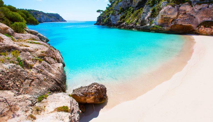 Menorca im Oktober: 1 Woche im sehr guten 4* Hotel inkl. Flug und Transfer ab 375€