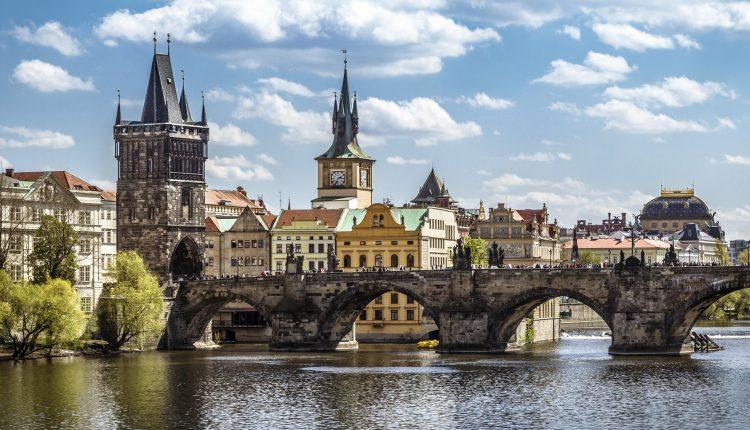 Hotel in Prag: 3 bis 6 Tage im stylischen 3*Aparthotel inkl. Frühstück und Wein ab 69€