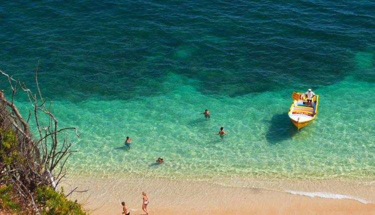 Eine Woche Menorca 4* Hotel inkl. Frühstück, Flug, Rail&Fly und Transfer ab 366€