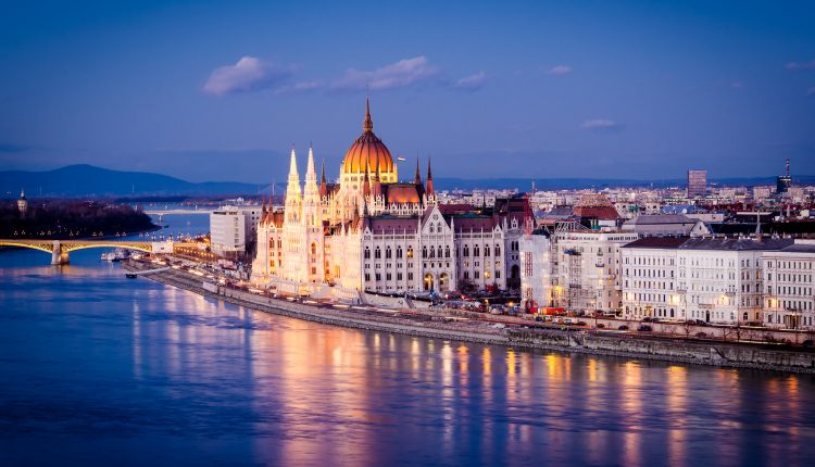 Budapest: 3 Tage im 4* Hotel inkl. Flügen, Frühstück und Wellness ab 99€ pro Person