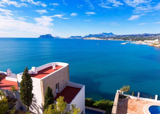 Costa del Sol im April: 1 Woche im 3*Hotel inkl. Flügen, Halbpension und Transfers ab 312€
