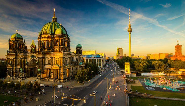 3-5 Tage in Berlin Friedrichshain – Kreuzberg inkl. Frühstück & Kiezmenü bei Curry 66 ab 49,99€