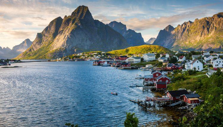 Zugreise Norwegen: 5 bis 7 Tage Oslo & Bergen inkl. Hotels, Frühstück, Fjordkreuzfahrt, Zug und Flügen ab 539€