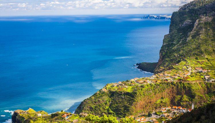 Madeira im Dezember: 7 Tage im sehr guten 4* Hotel inkl. Flügen, Transfers und Frühstück ab 351€