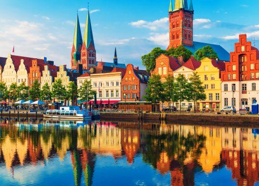 3, 4 oder 6 Tage im 4*S-Hotel in Lübeck inkl. Frühstück, Abendessen & großer Hafenrundfahrt ab 99€