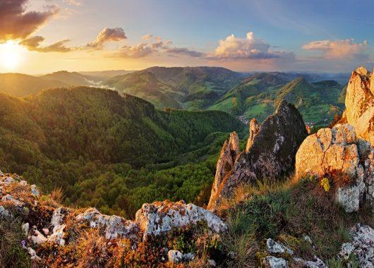 Österreich: 3 Tage ins 4*Hotel nach Voralberg inkl. Halbpension, Bergbahntickets und Wellness für 159€