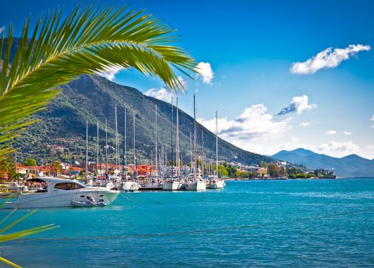 Frühbucher Olympische Riviera: 1 Woche im 4*Hotel mit Flügen und Halbpension ab 332€