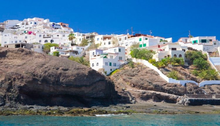 1 Woche Fuerteventura im Dezember: 4* Sporthotel inkl. Halbpension, Flug, Rail&Fly und Transfer ab 424€