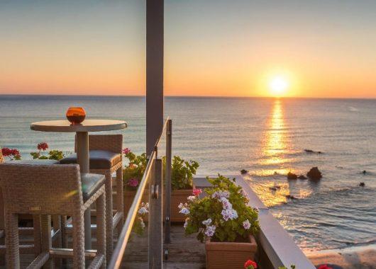 Frühbucher: Eine Woche Kreta 4* Award-Hotel inkl. HP, Flug, Rail&Fly u. Transfer ab 484€