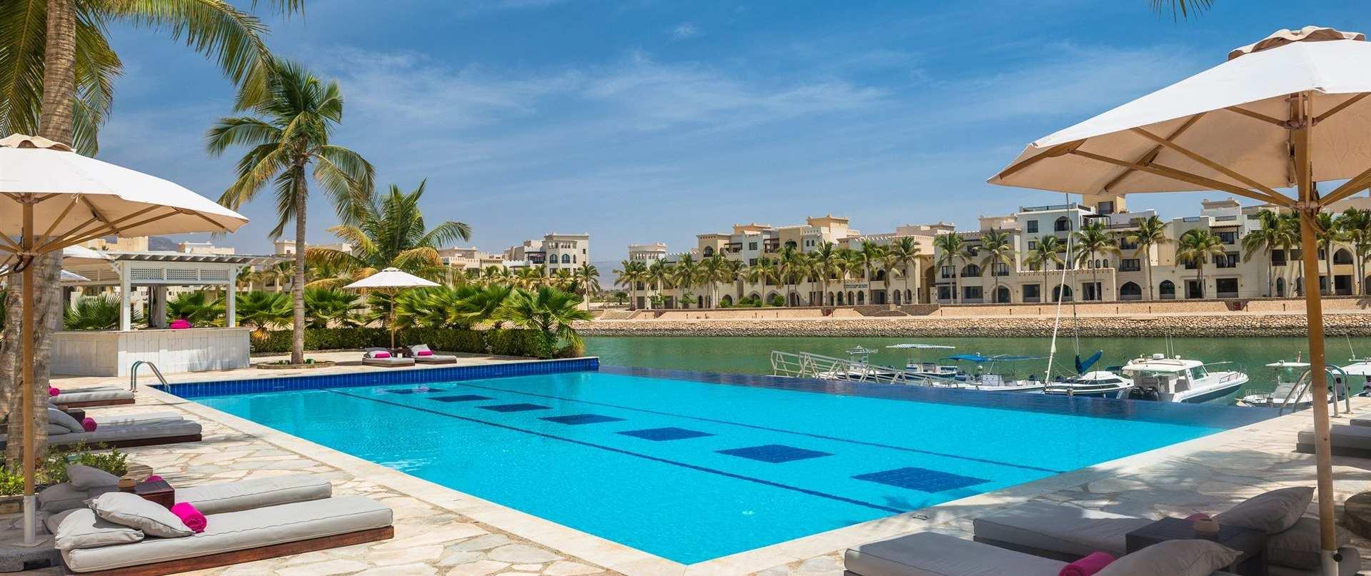juweira_hotel_salalah_pool_marina.jpg.1920x807_0_297_10000