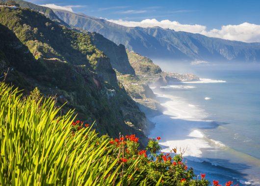 Eine Woche Madeira im 4* Hotel mit All In, Flug, Rail&Fly und Transfer ab 432€