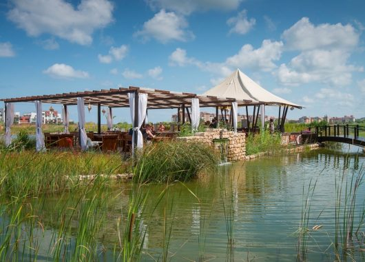 Frühbucher: Eine Woche Bulgarien im 4* Hotel mit All In, Flug, Rail&Fly u. Transfer ab 336€