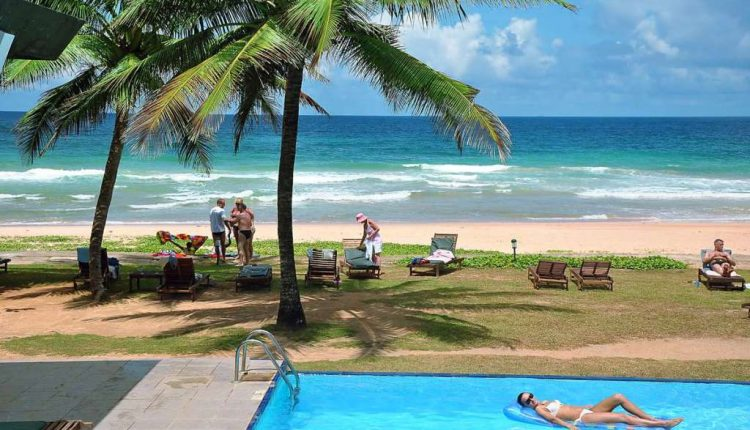 Sri Lanka im August/September: 13 Tage im 4* Hotel inkl. Flügen, Zug zum Flug, Transfers und Frühstück ab 802€