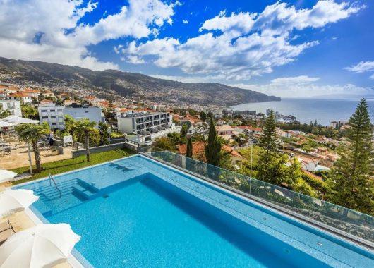 Winter: Eine Woche Madeira im 4* Hotel inkl. Frühstück, Flug u. Transfer ab 377€