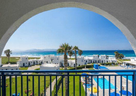 1 Woche Kos im 4* Hotel inkl. Halbpension, Flug und Transfer für 476€