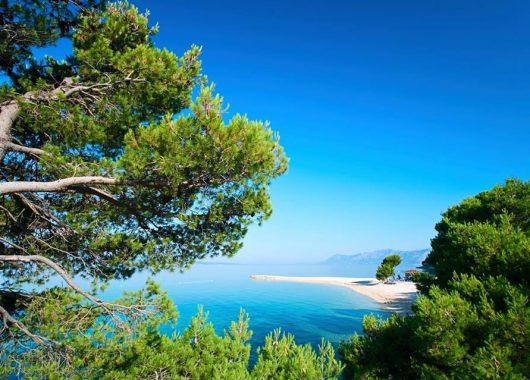 Kroatien an der Adria: 4 Tage im 4*Hotel mit Halbpension und Privatstrand ab 228€