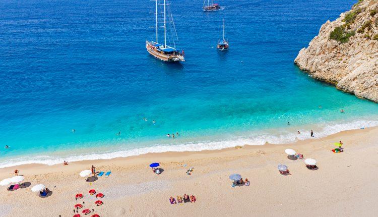 Türkei im April: 1 Woche All Inclusive im sehr guten 5* Resort mit Flügen und Rail & Fly ab 293€ pro Person