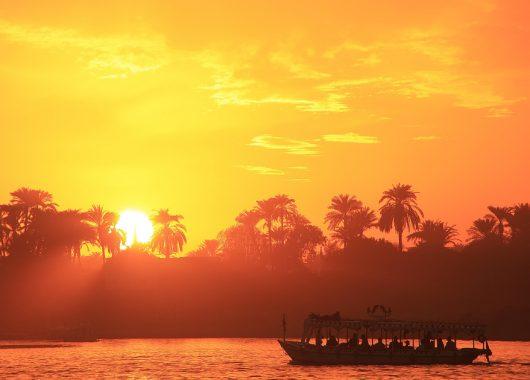Nilkreuzfahrt & Badeurlaub in Ägypten: 15 Tage inkl. Flügen, Vollpension, Rail&Fly ab 499€ pro Person