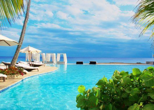 9 Tage DomRep im 3,5* Resort mit All In, Flug und Transfer ab 934€