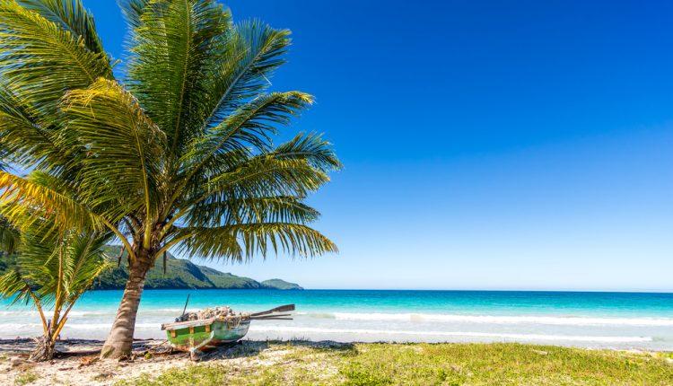 13 Tage Mauritius im April: 4* Strandresort inkl. Halbpension, Flug und Transfer ab 1477€