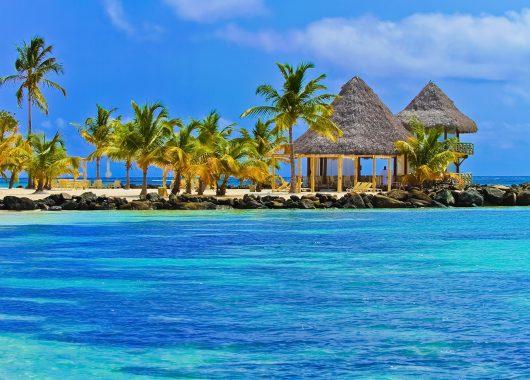 Dominikanische Republik: 1 Woche im 4*Resort mit Flügen, Zug zum Flug, Transfers und All In ab 895€