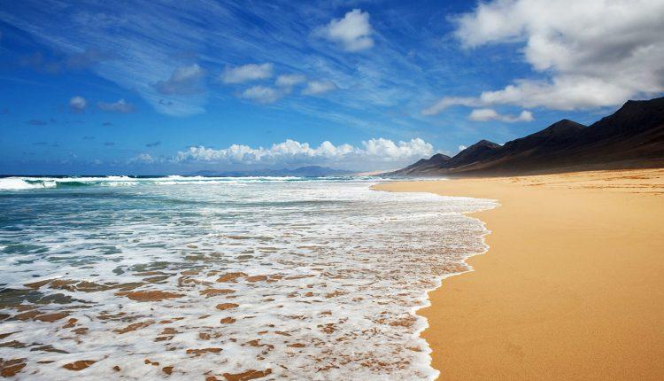 Eine Woche Fuerteventura im neuen 4* Hotel inkl. HP, Flug, Rail&Fly und Transfer ab 383€