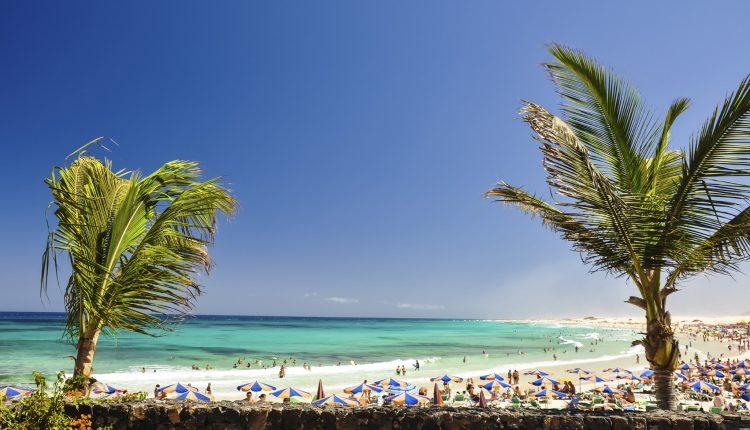 1 Woche Lanzarote im Juni: 4* Hotel inkl. HP, Flug, Rail&Fly und Transfer ab 442€